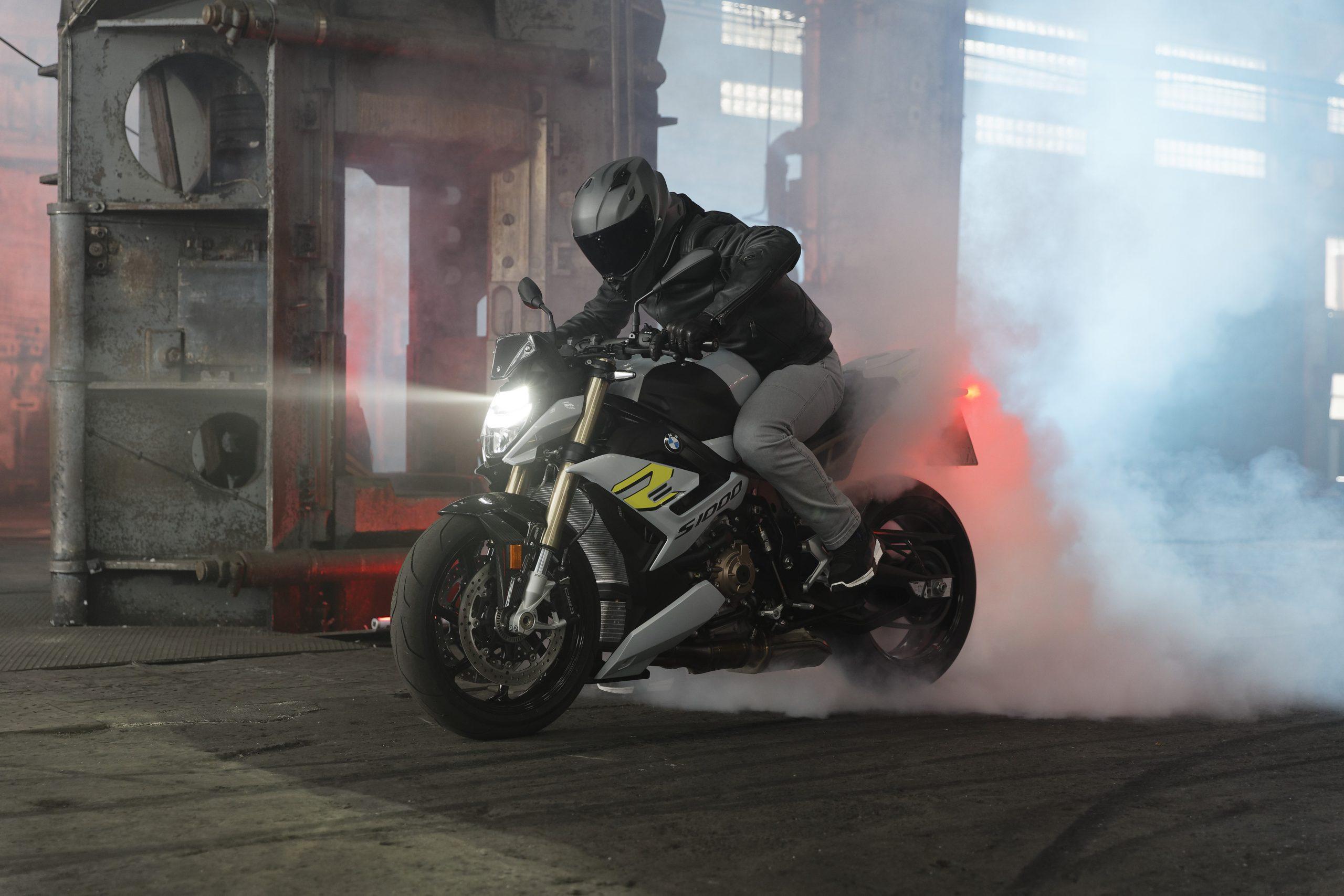 2021 BMW S1000R Rider