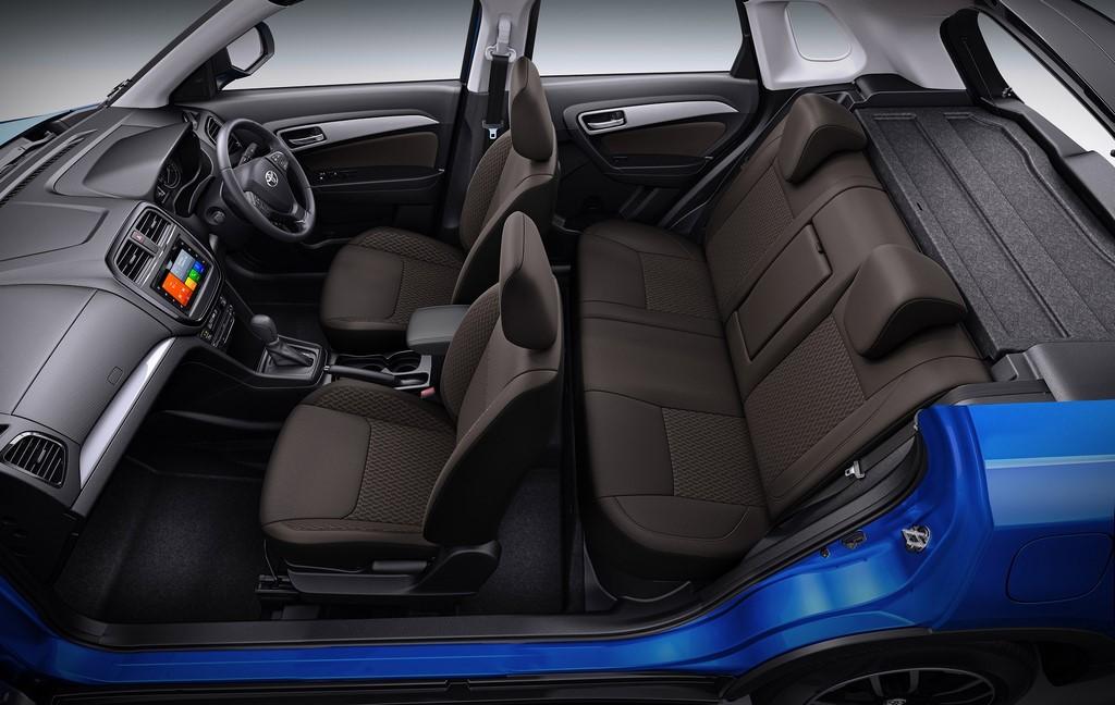 Toyota-Urban-Cruiser-Interior